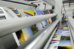 fast printing machine working on Digital Commercial Printing