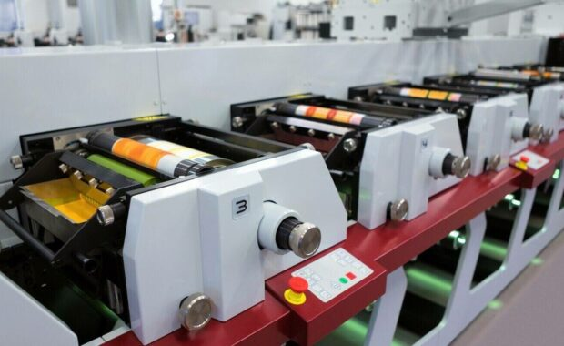 flexographic printing machine with an ink tray ceramic anilox roll doctor blade