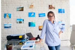 printing service employee in office